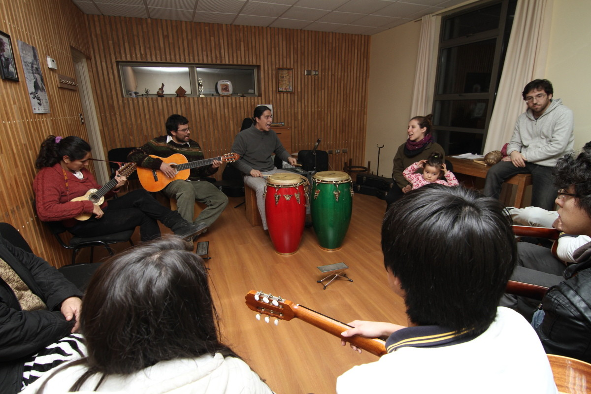 Clase de música Grupo Merkén