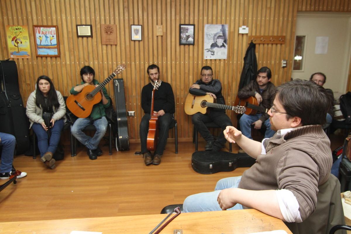 Clase de guitarra y composición, Javier Contreras