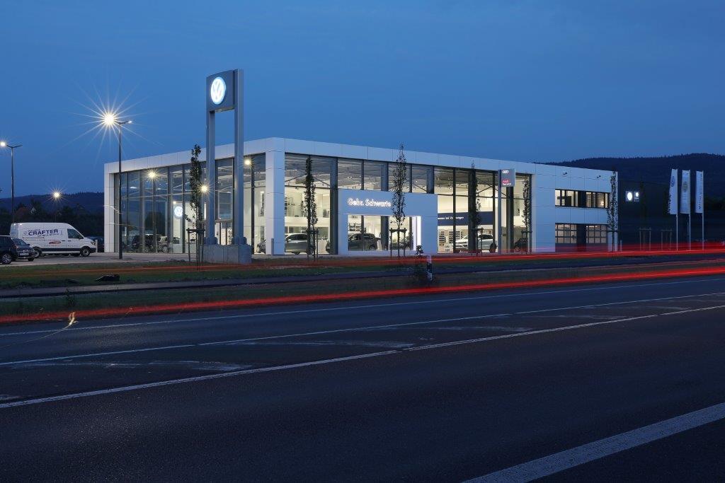 Autohaus Gebr. Schwarte Lübbecke / Montage und Inbetriebnahme der Außenbeleuchtung