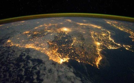 "Iberia iluminada. Imagen sacada del diario ""El mundo"""
