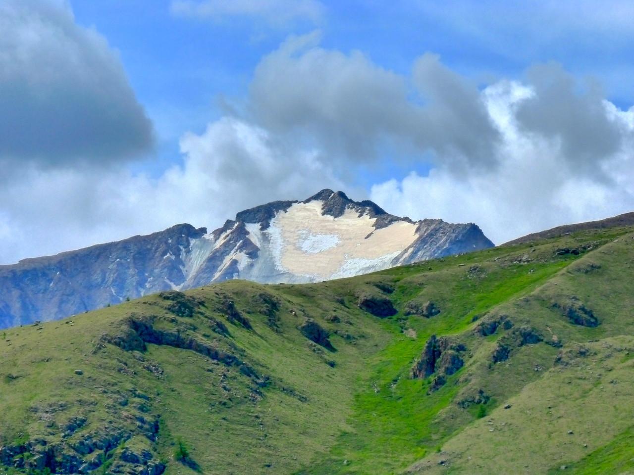 Point culminent des monts Khangai la réserve de l'Otgontenger