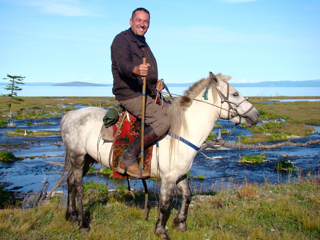 A cheval face au lac Khuvsgul (Khovsgol)