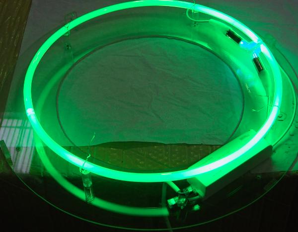"""Jean-Luc Vilmouth : réfection circuit HT du néon dans """"Pourquoi le monde est-il devenu rond?, II"""""""