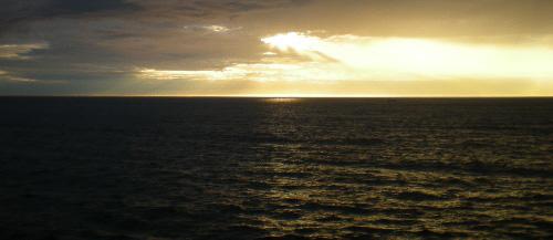 Wo sonst auf der weiten Welt gibt es solche Sonnenuntergänge? Eine der schönsten touristischen Visitenkarten des Saarlandes: Der Bostalsee