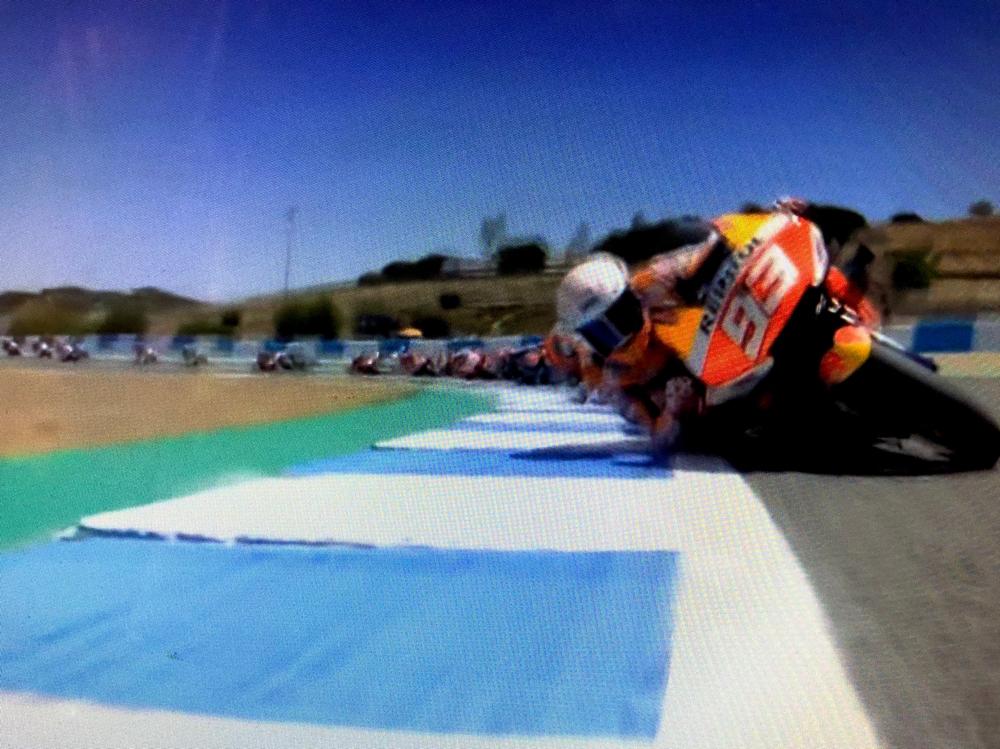 コースアウトから再び上位まで追い上げていくマルケス、かっこいい。