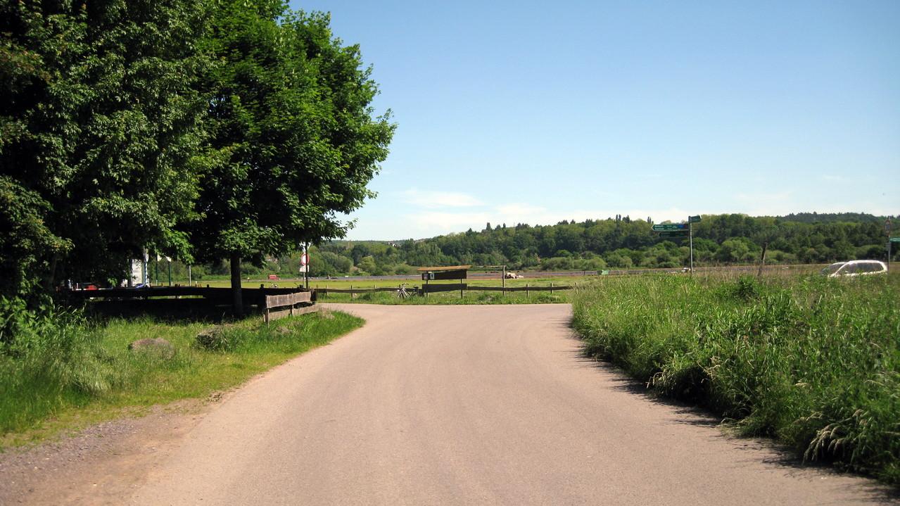 Fahrradweg rechts des Saar Richtung Merzig (Biergarten)