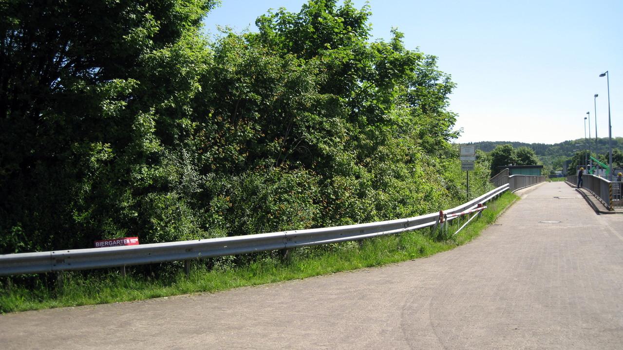 Staustufe Beckingen links der Saar(Generell ist das Überfahren für Kraftfahrzeuge verboten!)