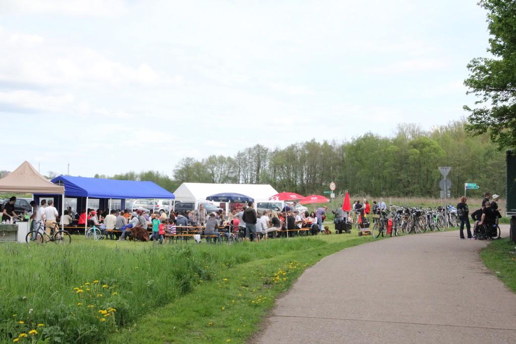 Biergarten zur Staustufe am 1.Mai 2012