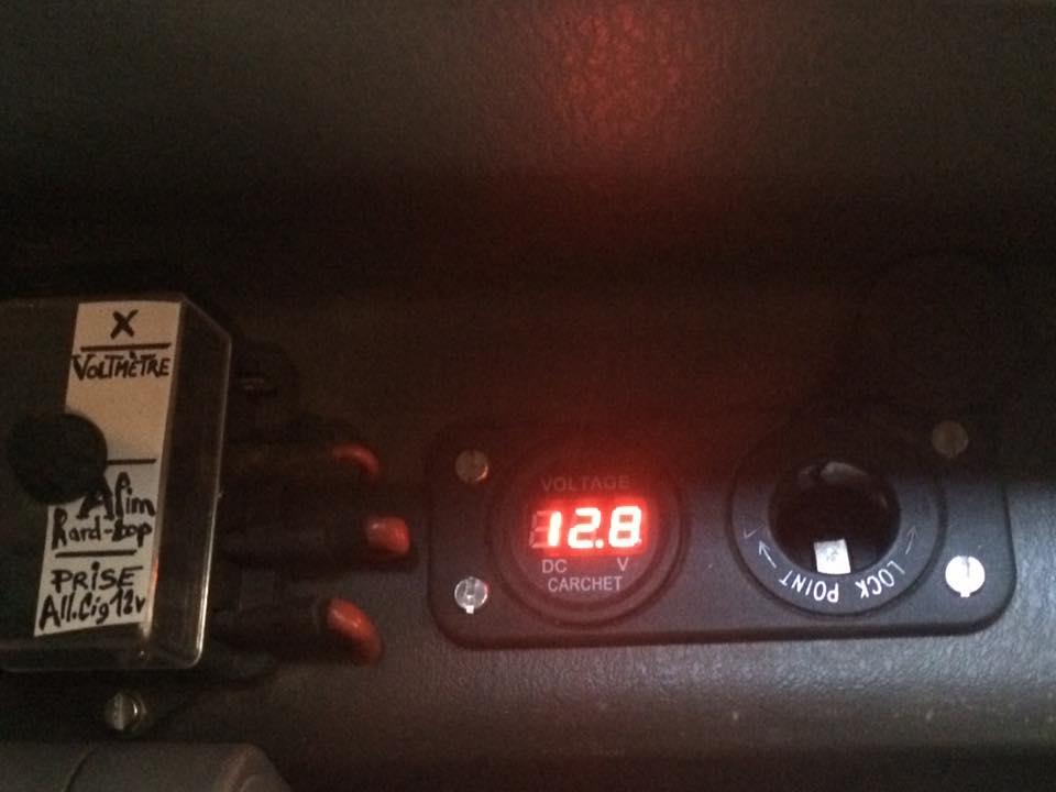 Allume Cigare Adaptateur  Chargeur Prise 12V/24V+Voltmètre