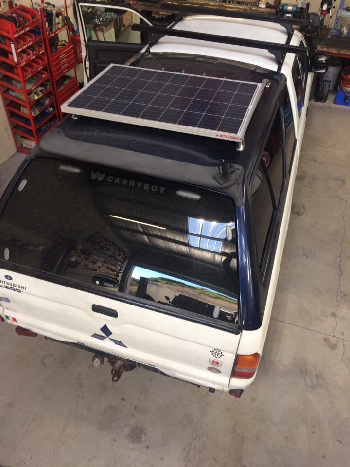 Panneau solaire 120W sur l 200 Mitsubishi