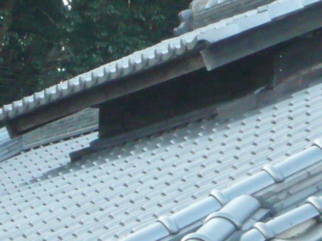 屋根の雨返し部分の熨斗瓦積直し工事を行います。in那須町