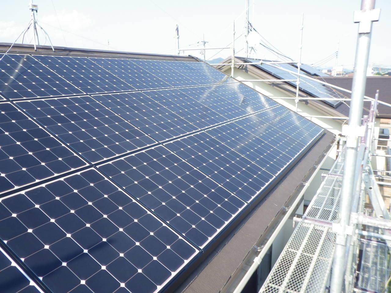 既築化粧スレート屋根への太陽光パネル設置工事を行いました。in真岡市