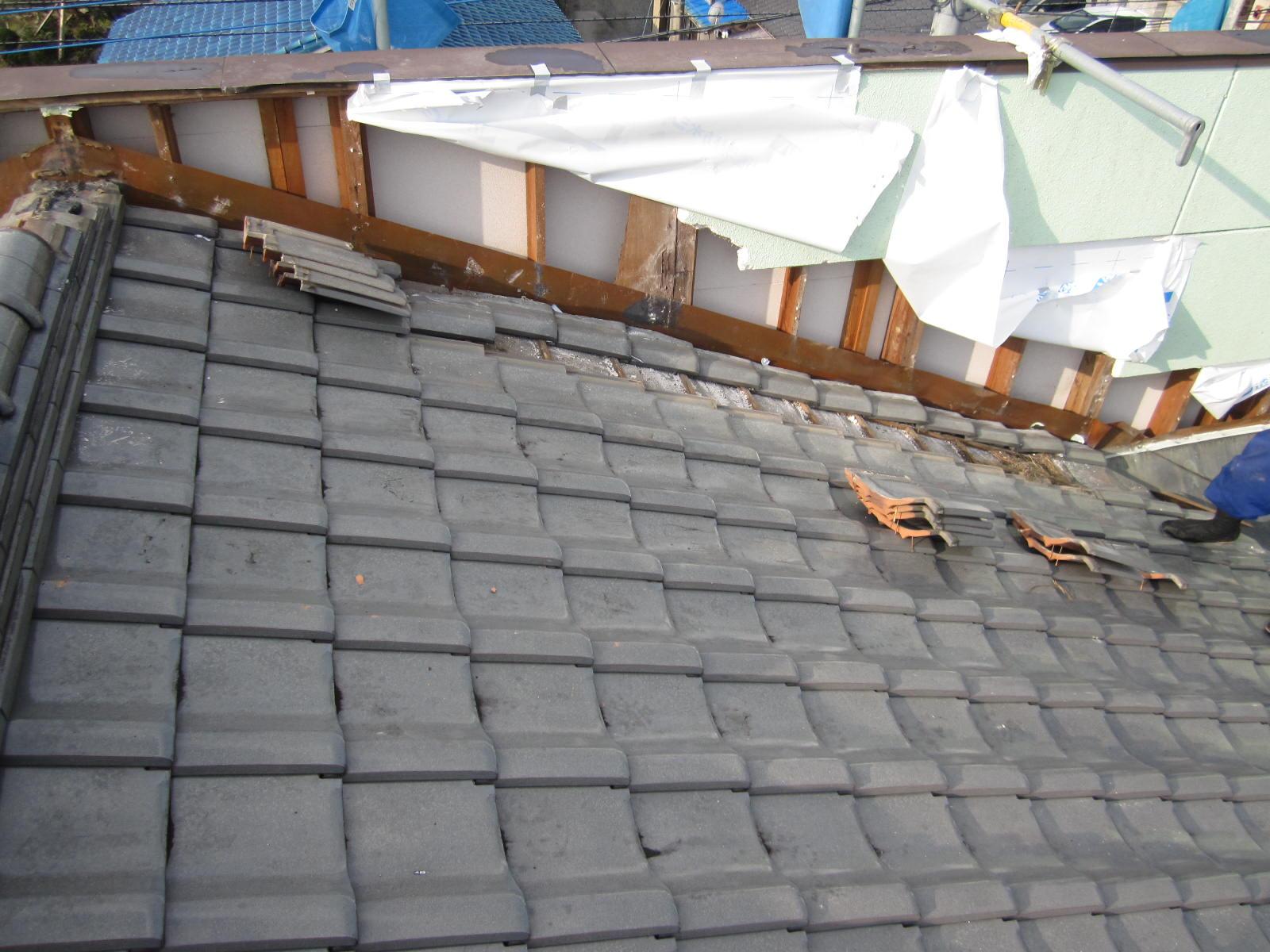 屋根雨漏れ修理!壁取り合い部修繕! inさくら市