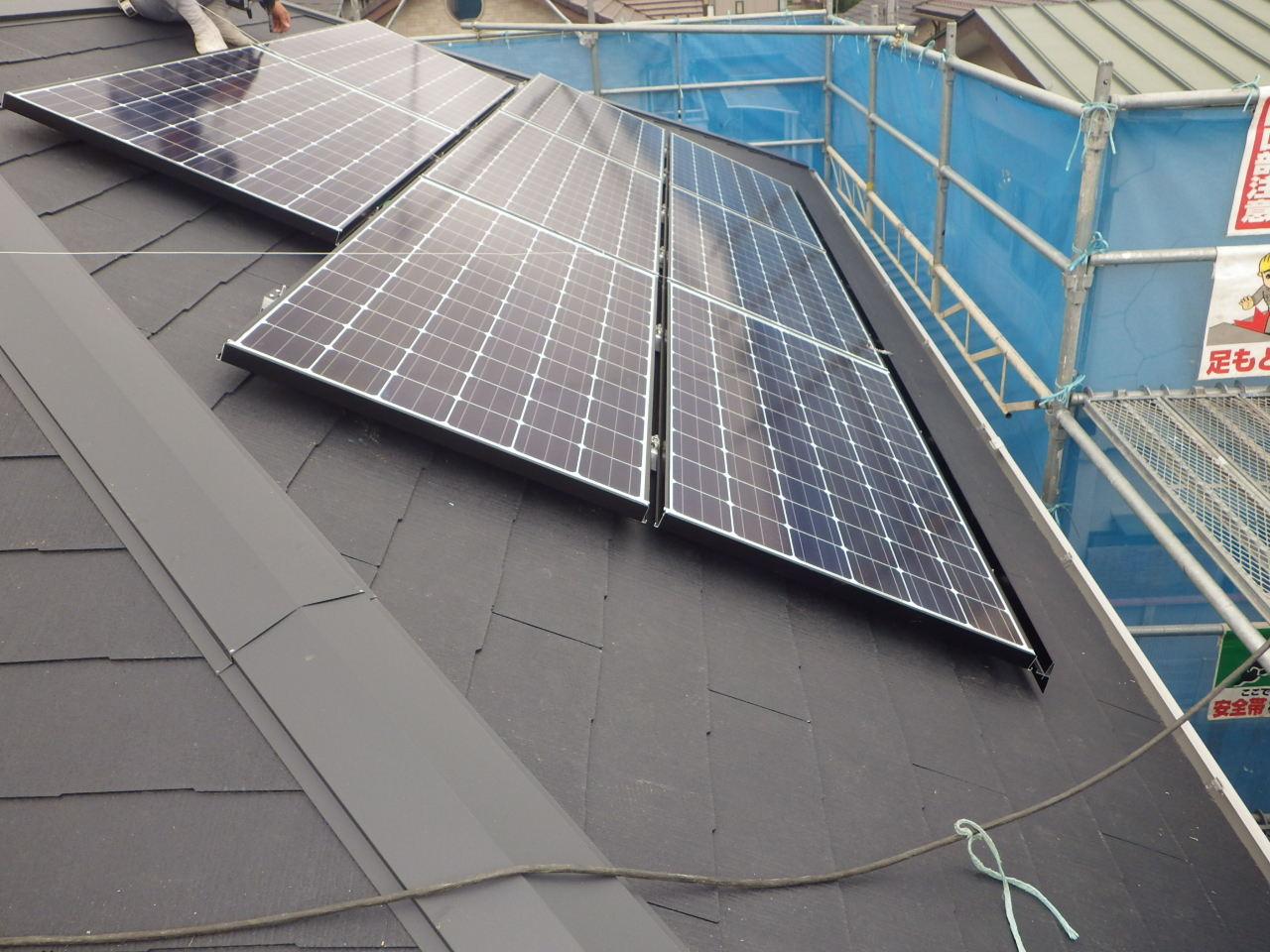 コロニアル屋根への太陽光発電システム設置工事を行いました。in那須塩原市