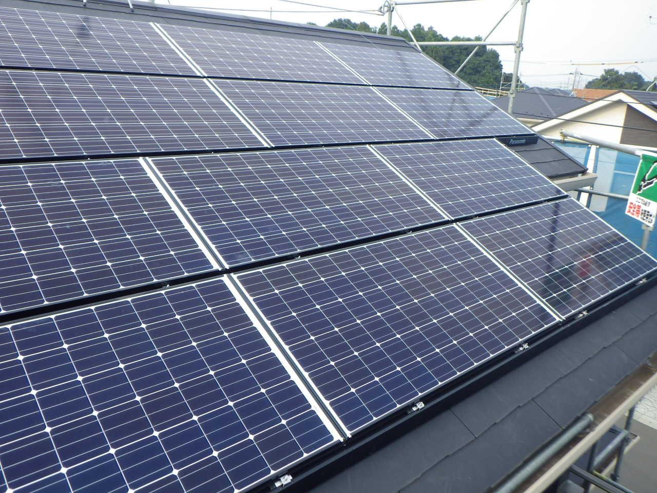 スレート屋根への太陽光パネル設置工事を行いました。in真岡市