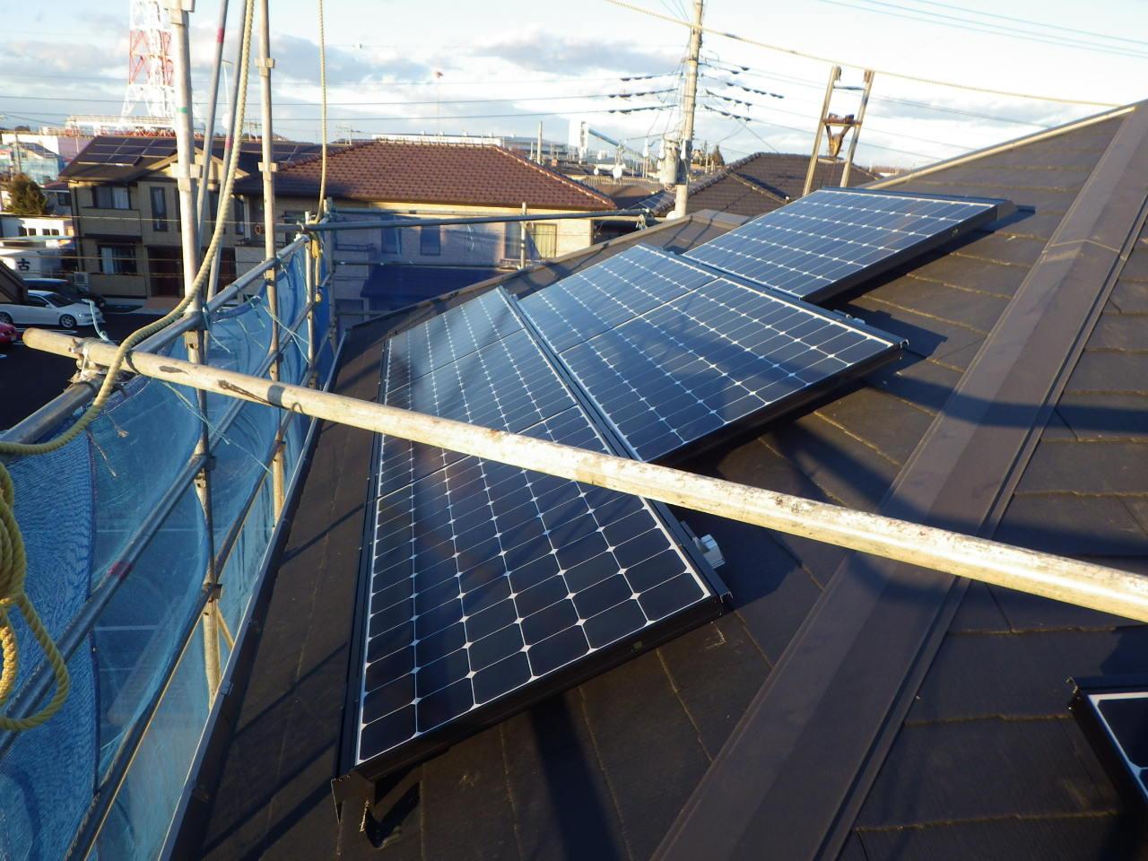 コロニアル屋根への太陽光発電システム設置工事を行いました。in大田原市
