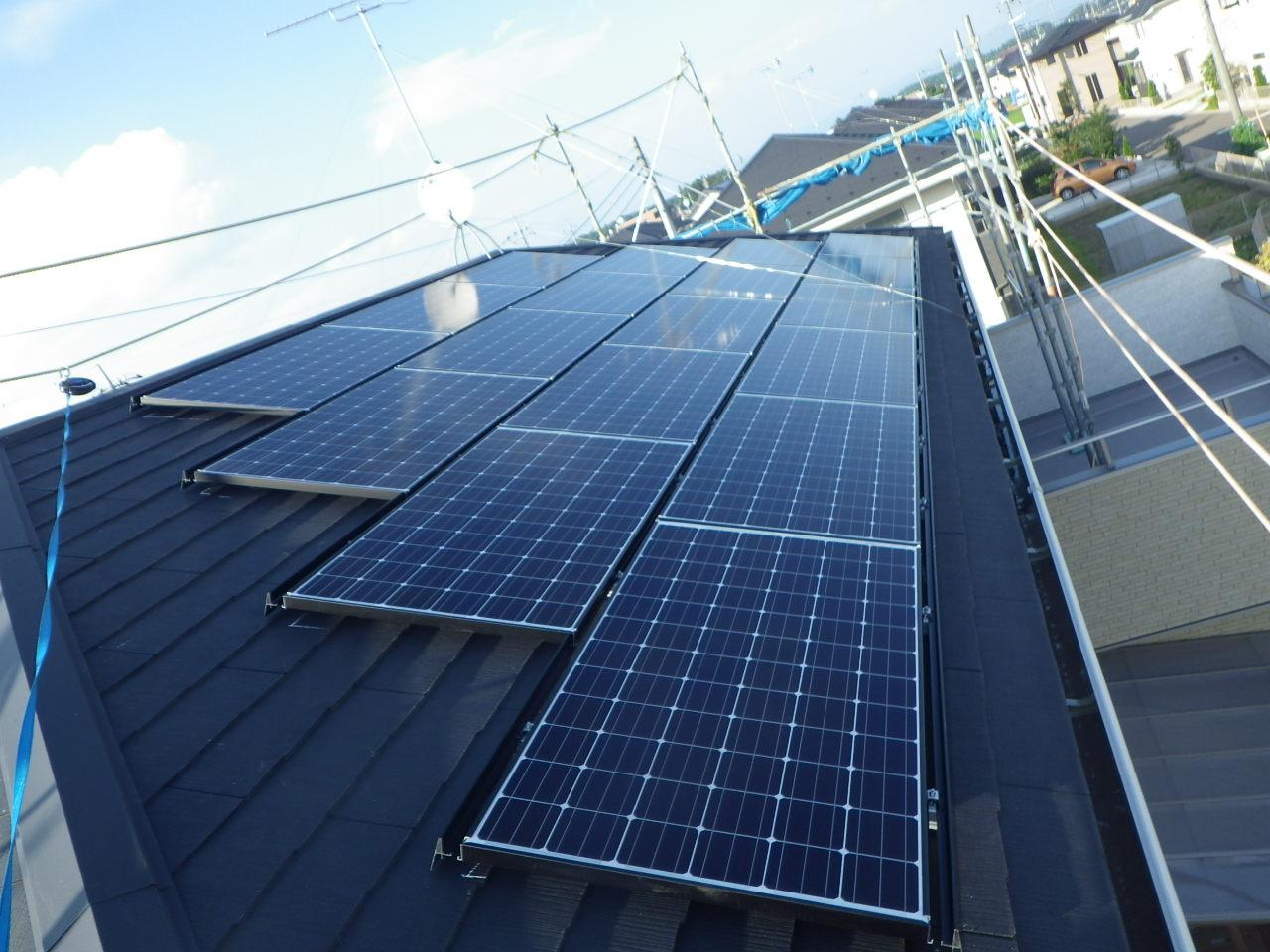 コロニアル屋根への太陽光パネル設置工事を行いました。in大田原市