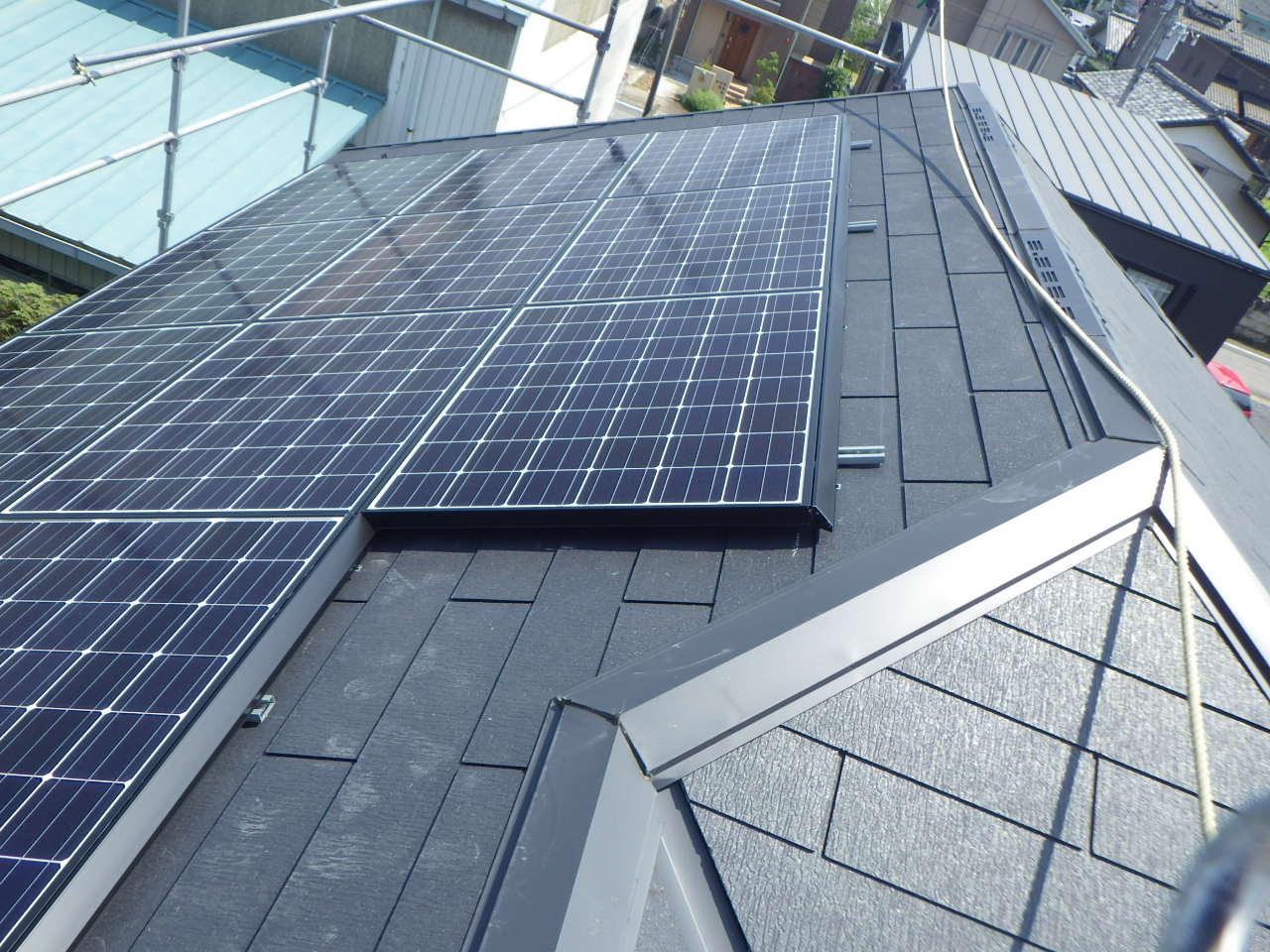 スレート屋根への太陽光パネル設置工事を行いました。in高根沢町