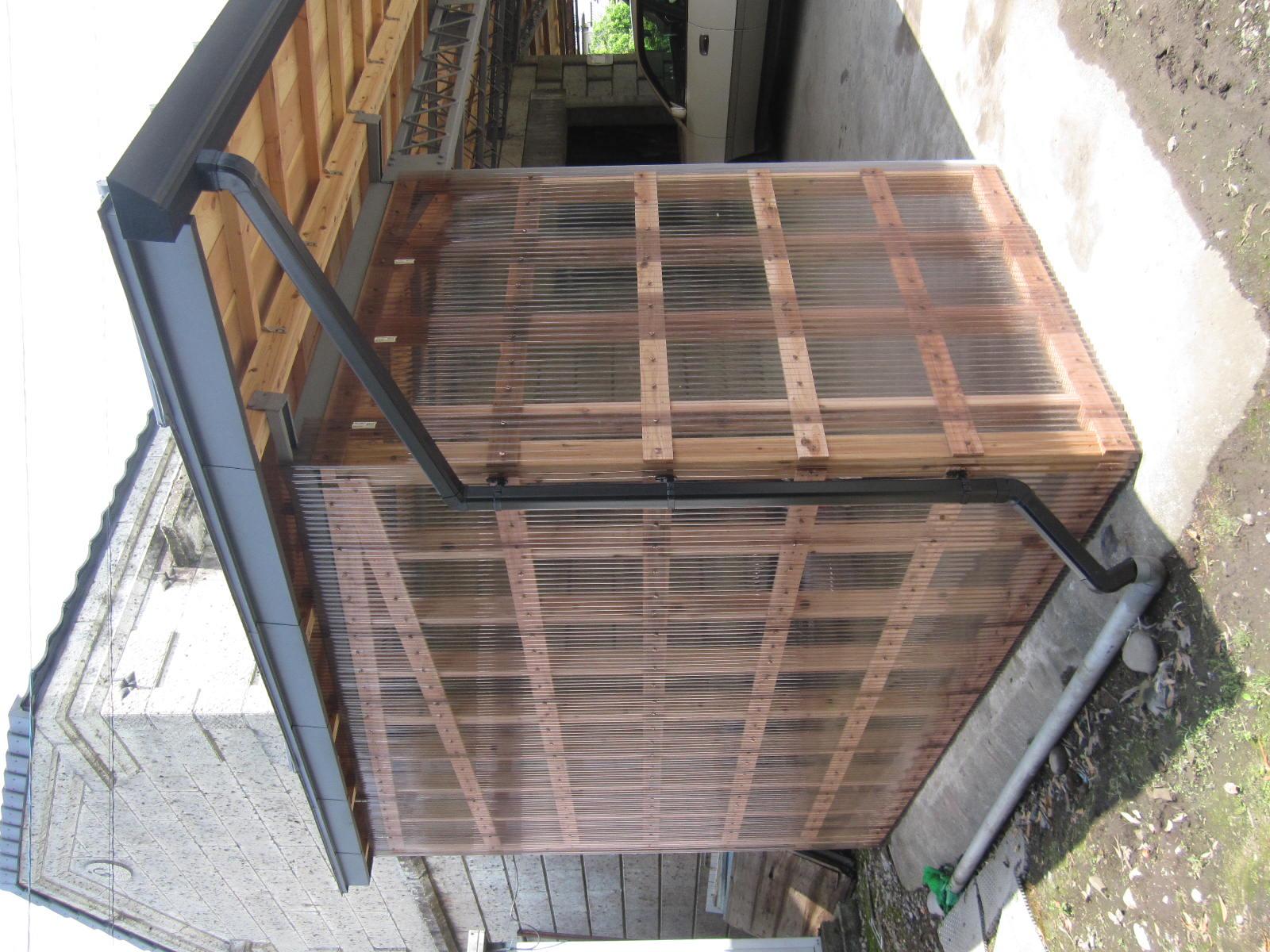 波板ポリカ壁と樋の改修工事 in宇都宮市
