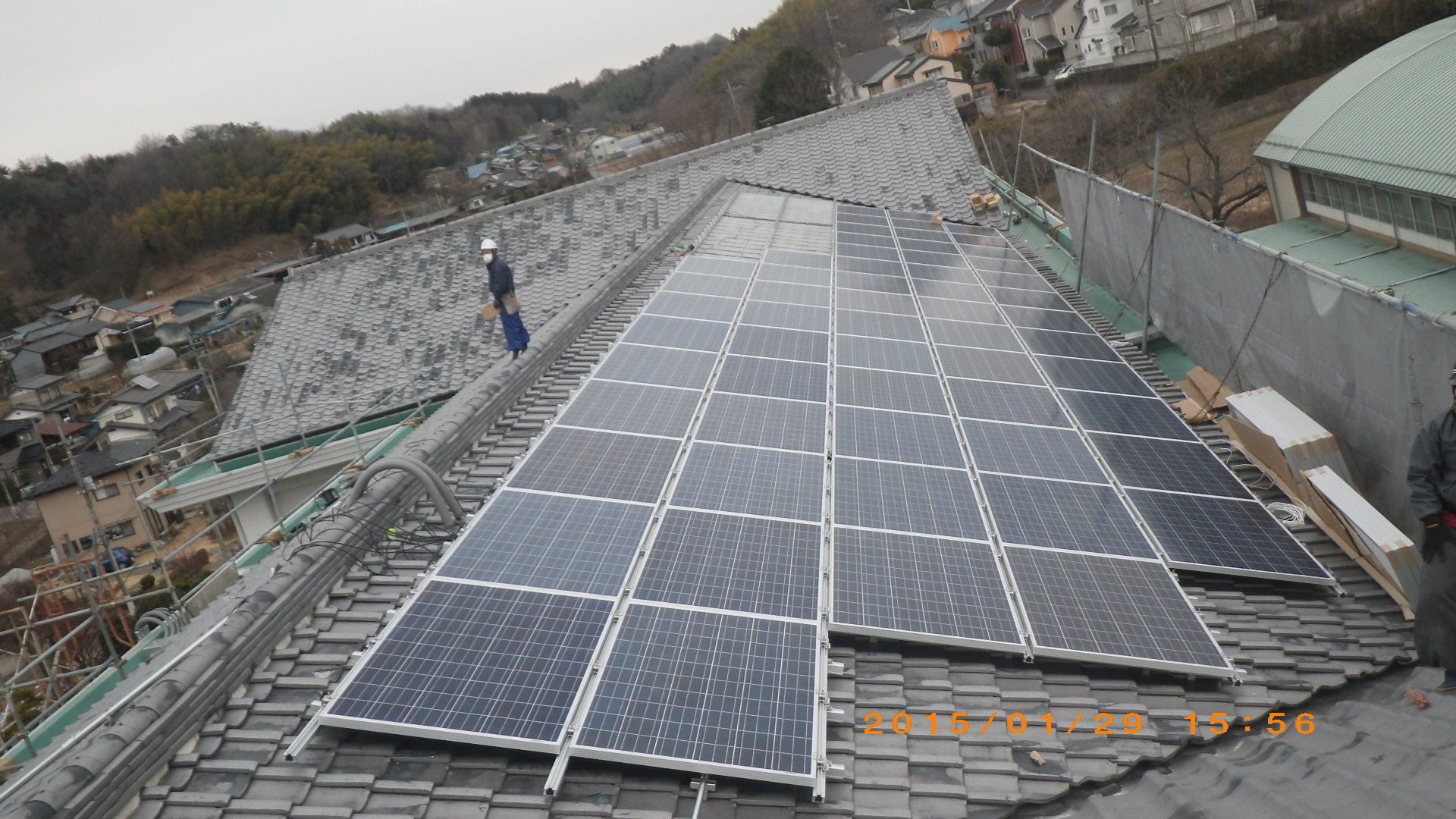 某公共施設で太陽光パネルを設置しました。