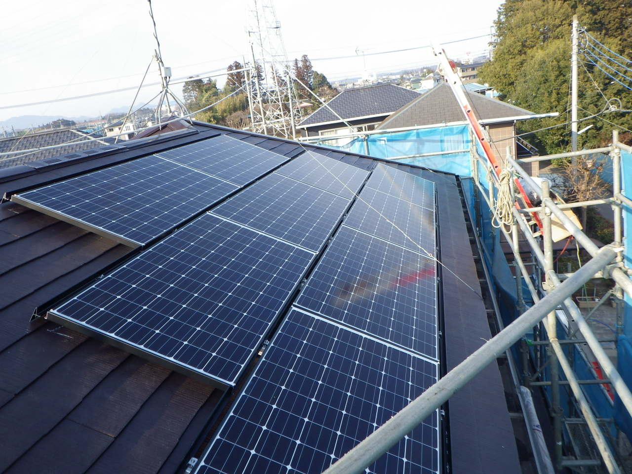 コロニアル屋根への太陽光発電システム設置工事を行いました。in宇都宮市