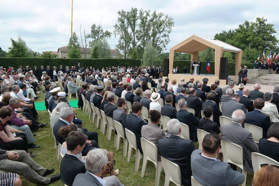 Il Primo Ministro e il Sindaco di Oradour-sur-Glane