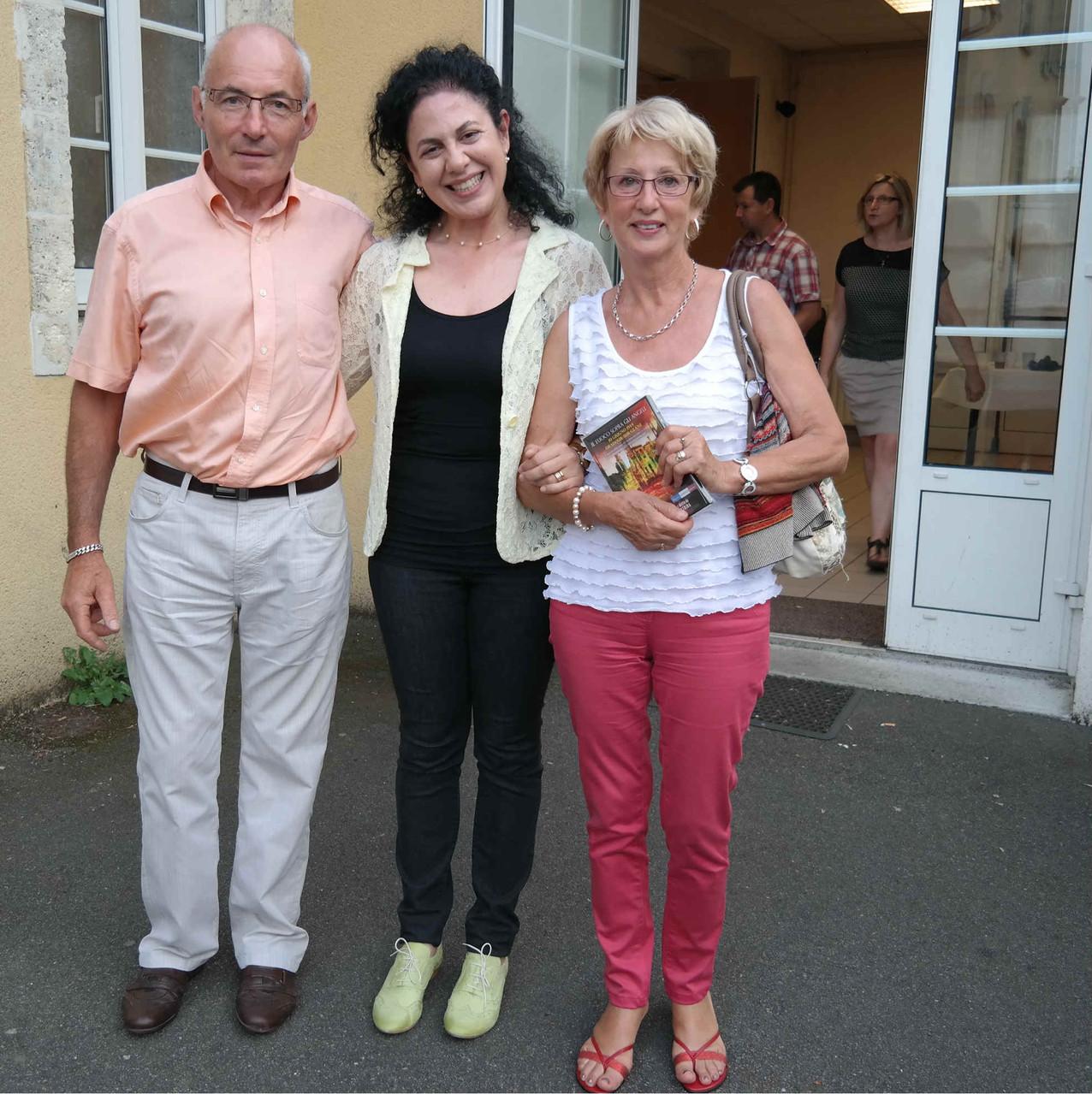 Grazia Pacella con rappresentanti del Comune di Oradour-sur-Glane