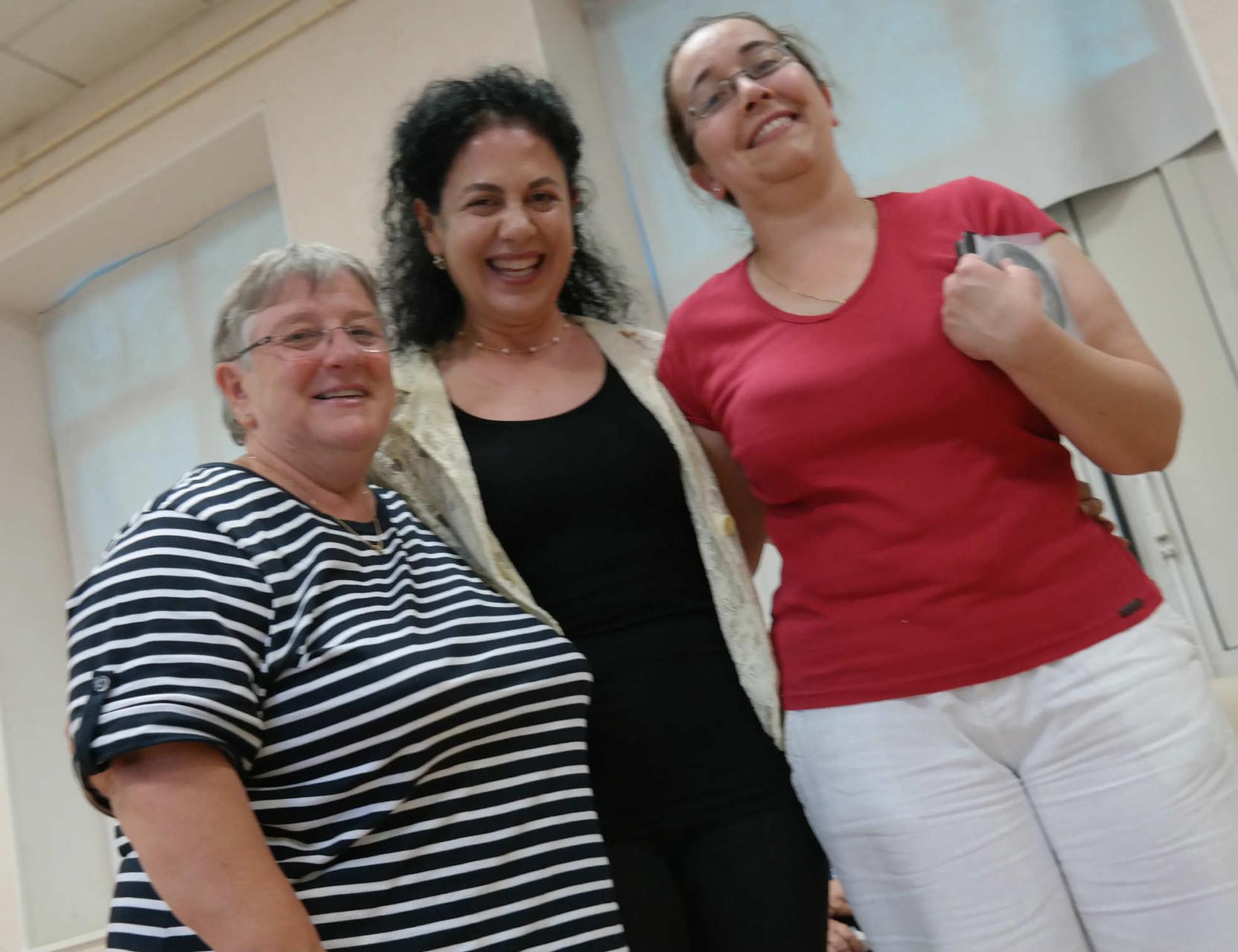 Grazia Pacella con Marie Vignaud e la sua collega che hanno organizzato la presentazione