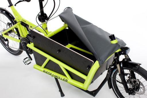 Riese und Müller Lasten e-Bike, e-Cargobike Load Zubehör und Ausstattungsoptionen Gepäckbox mit Plane halboffen