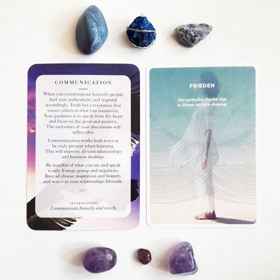 Weisheitskarten/Wisdomcards (links), Kunst der Aufmerksamkeit (rechts)