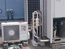 ④ 配管施工後に保温処理を施します