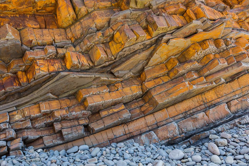 """Als ganz besonders empfand ich die unglaublichen Felstrukturen an den Klippen der """"Heritage-Coast"""": ob orange... (B486)"""