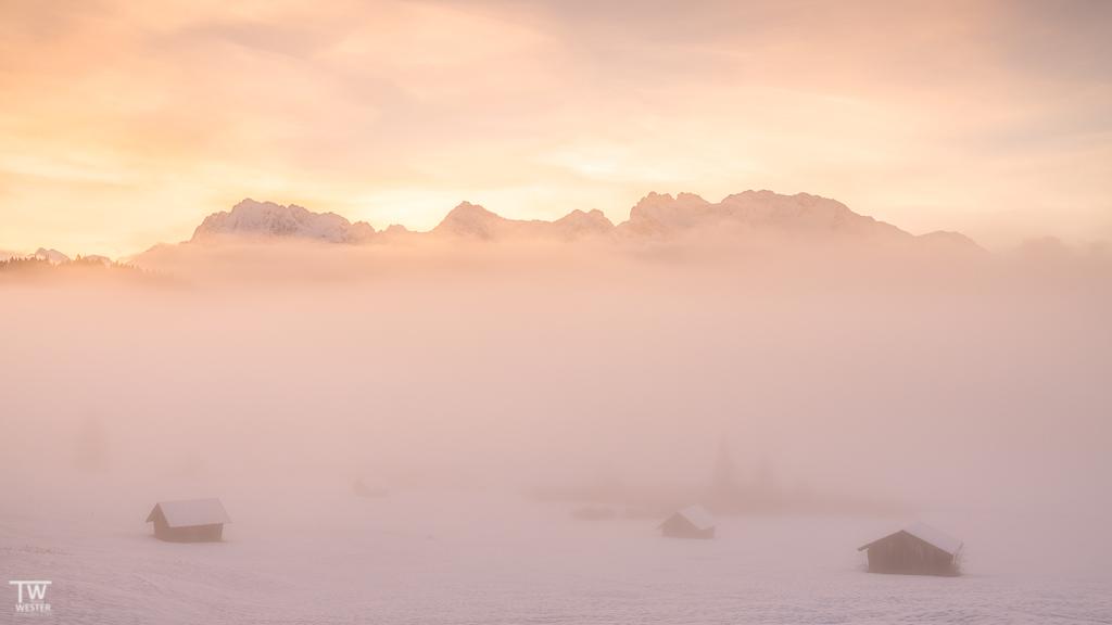 Die Bedingungen waren herrlich, ein farbiger Himmel und der Nebel zog immer wieder auf (B1529)