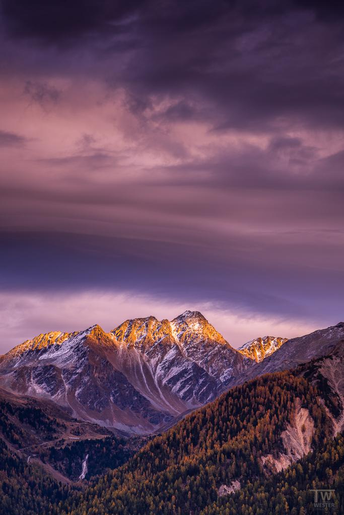 Abendlicht: der Himmel sah einfach toll aus vor Ort, sodass ich ins ungeliebte Hochformat wechselte ;-) (B1170)