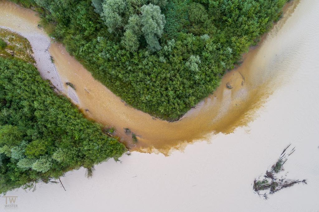 Hier fließen zwei Flüsse zusammen (B1047)