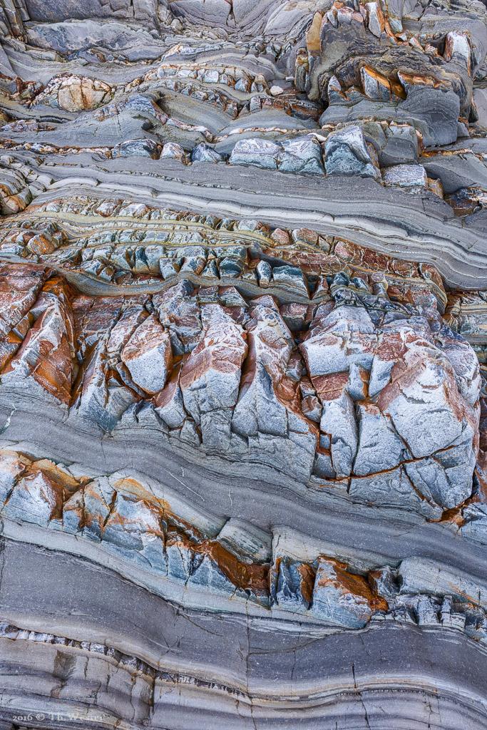 Die Farben und Formen der Sedimentschichten sind faszinierend (B869)