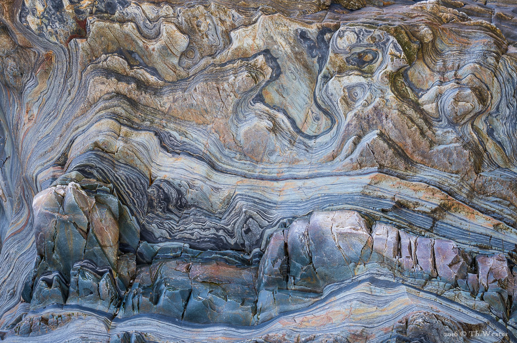 Es ergaben sich wunderbare Strukturen im Stein: dieses Bild war vor Ort überwältigend, leider erkennt man weder die Tiefe, noch den Maßstab. Das Bild zeigt einen ca. 2x3 Meter großen Bereich eines gigantischen Felses (B853)