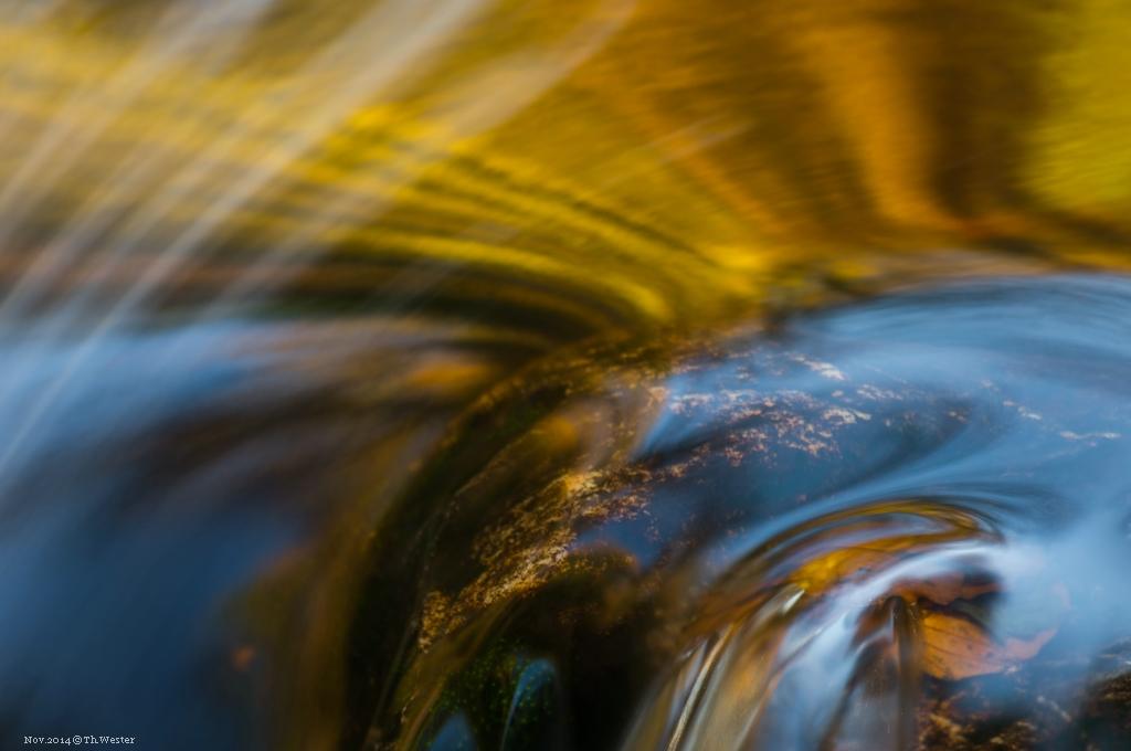 Die Farben der Wasserstrukturen (B215)