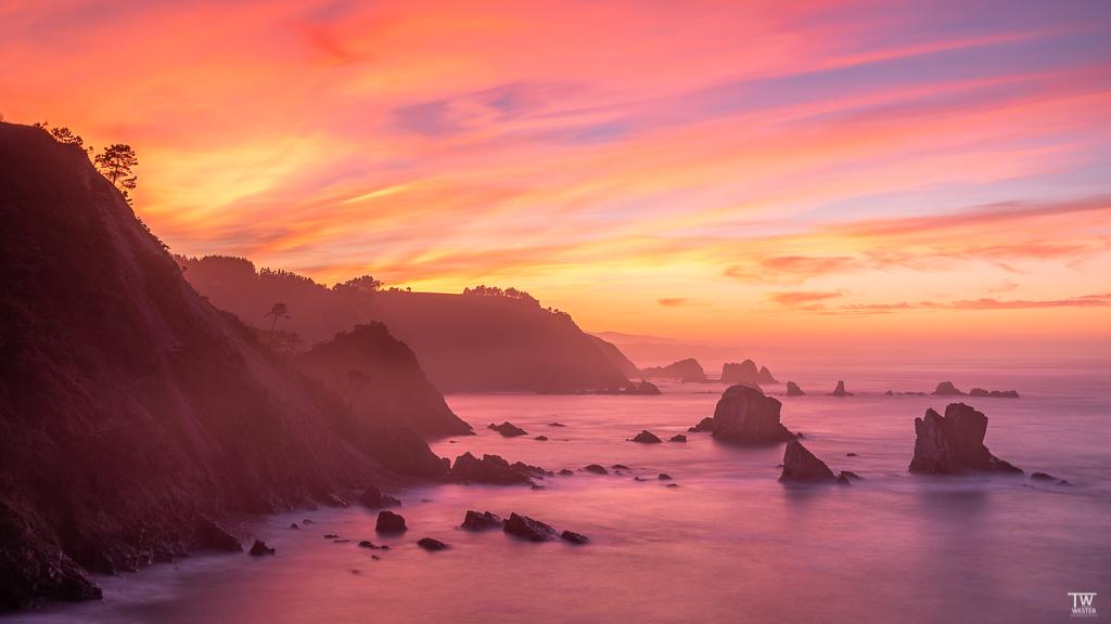 Und zuletzt der spektakulärste Sonnenuntergang unserer Reise - an diesem Abend brannte der Himmel in alle Himmelsrichtungen (B1865)