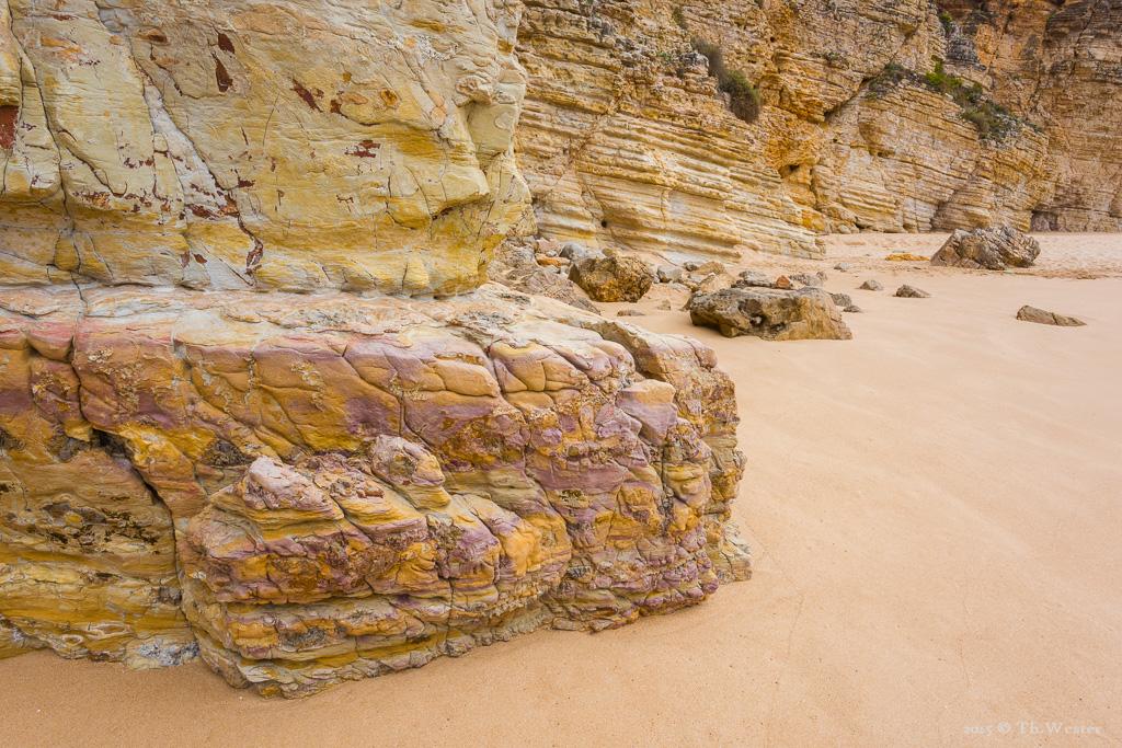 Die Felsstrukturen sind teilweise sehr interessant (B298)