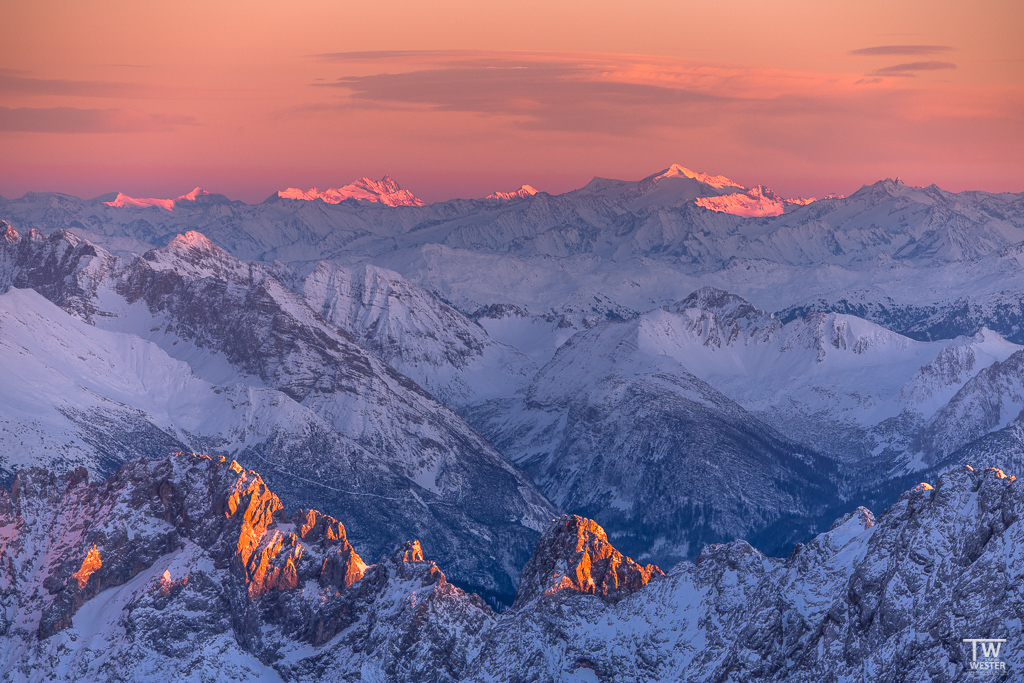 Warm-cold-contrasts are fascinating for me, especially in terms of panoramas (B1536)