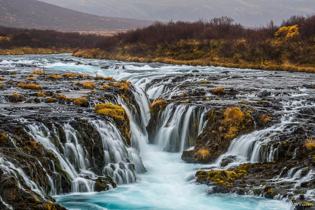 Dieses Bild entstand in einer fünfminütigen Regenpause an meinem Lieblings-Wasserfall: Vielen Dank an einen tollen Naturfotografen und Island-Spezialisten, Olaf Jürgens, für die Wegbeschreibung (B736)