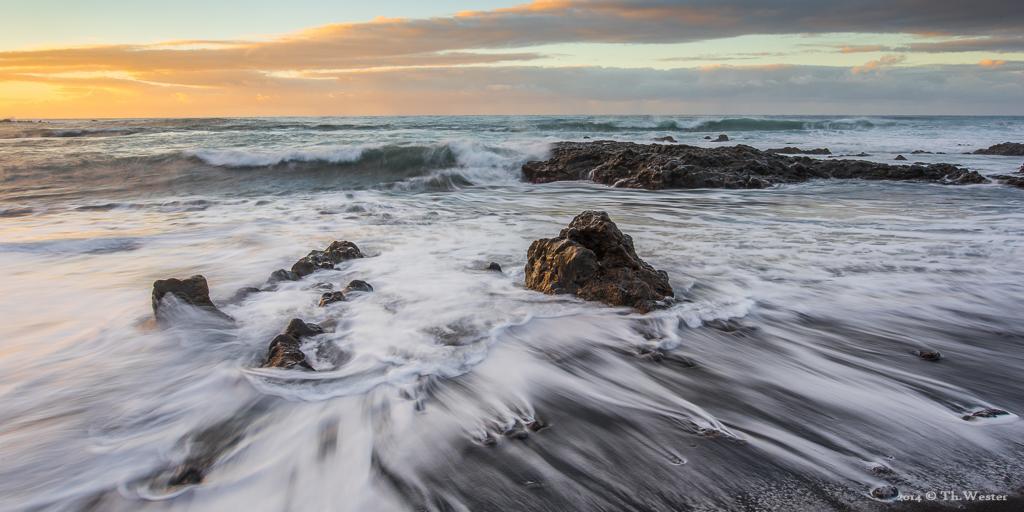 """Zurück zum Meer: der schwarze Strand von """"Puerto de la Cruz"""" war einer unserer Lieblingspunkte auf der Insel (B231)"""