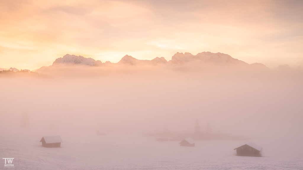 Conditions were awesome, the sky was coloured and fog came in… (B1529)