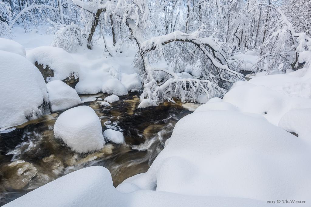In den ersten Tagen gab es eine Menge Schnee (B900)