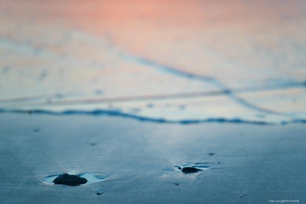 Und im Folgenden noch drei Bilder eines 3-tägigen Ausfluges nach Belgien, beginnend mit den Strandfarben nach Sonnenuntergang (B190)