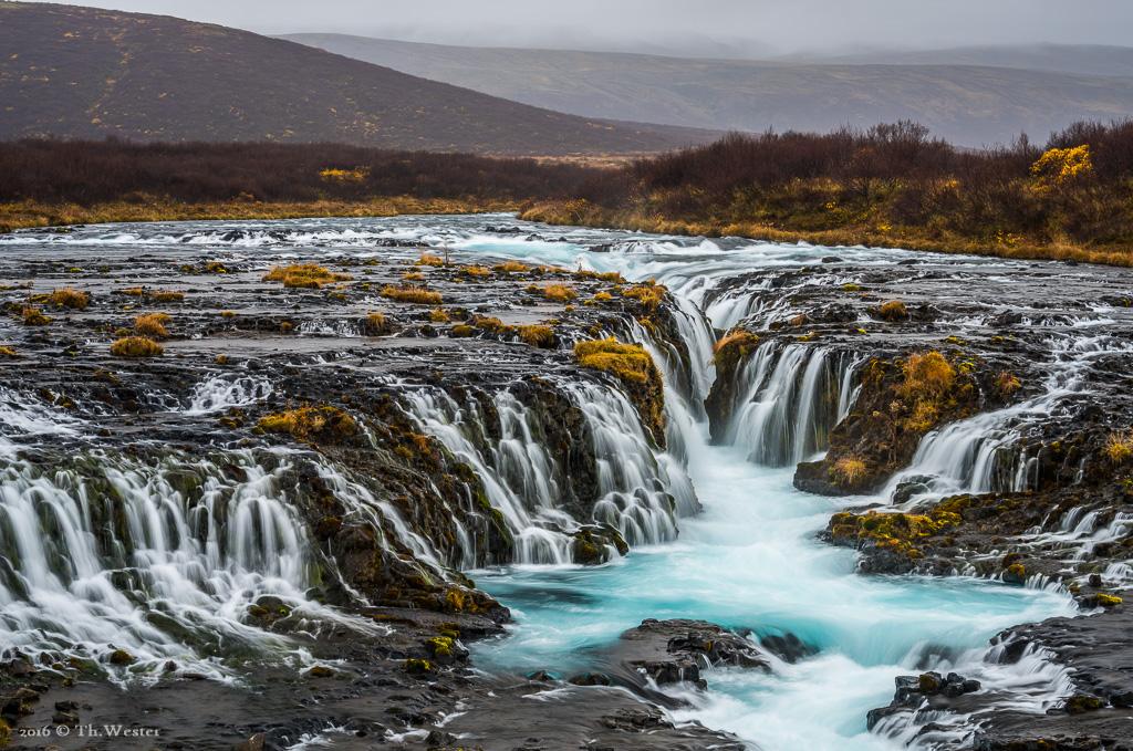 An Wasserfällen kann man sich auf Island einfach nicht satt sehen (B801)