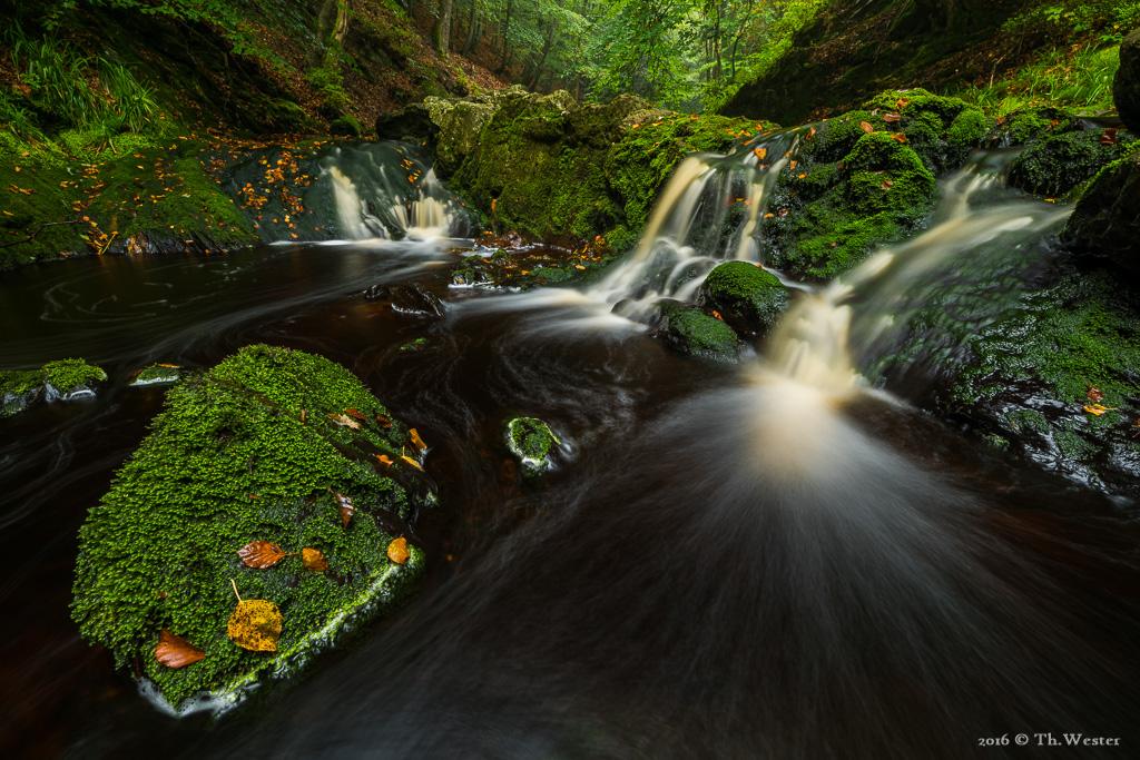 """Das momentane """"Niedrigwasser"""" birgt zwar bei der Flussfotografie viele Nachteile, jedoch ermöglicht es auch die ein oder andere """"neue"""" Perspektive (B693)"""