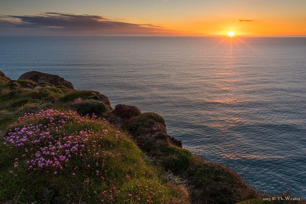 """Weiter ging es zu den Klippen der """"Bedruthan Steps"""", wo uns der ein oder andere schöne Sonnenuntergang bevorstand (B505)"""