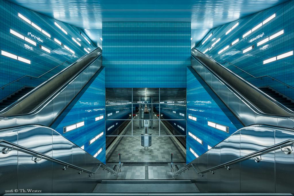 """Für die letzten drei Bilder dieser Serie ging es an eine besonders tiefgelegene Stelle der Hafencity, der U-Bahn-Station """"Überseequartier"""". Vielen Dank an dieser Stelle für die Genehmigung seitens der Pressestelle der Hamburger Hochbahn AG (B468)"""